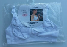 (bra006) • •  brand new GEMM womens white sports bra • BNIP •  size 36C • •