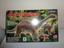 Brontosaurus Apatosaurus Dinosaur and Caveman Model Kit Mib Lindberg Toys