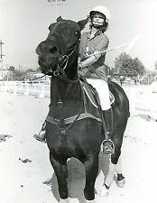 Stefanie Powers on horse Original 7x9 photo #U3119