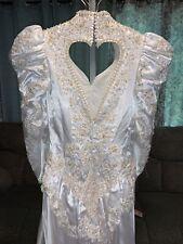 White Vintage Wedding Dress Applique Beaded Sequins Long Train