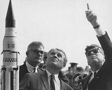 Preisdent John F. Kennedy with Wernher von Braun at Cape Canaveral Photo Print