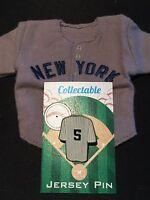 New York Yankees Joe DiMaggio jersey/lapel pin-Mini Upper Deck-Collectables