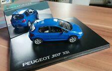 Peugeot 308 SW mokka-grau-Metallic 1:43 und Schlüsselanhänger