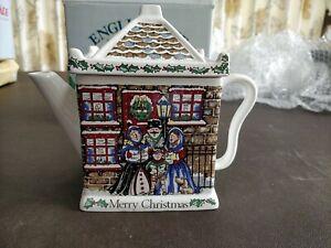 Wade English Life Christmas Carol Teapot