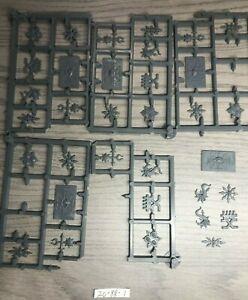 Warhammer 40k - Chaos Space Marines - Khorne Tzeentch Icons Symbols Bits Lot