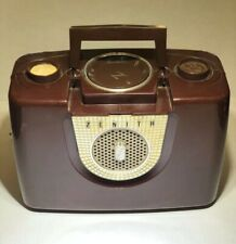 Vintage Mid Century Zenith plastic top handle tube radio