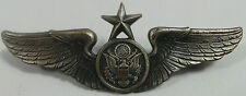 MILITARIA : US AIR FORCE SENIOR AIR CREW WINGS BADGE STAMPED WITH K-21 REF: C113
