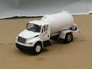 dcp/greenlight Custom white International propane truck new no box 1/64..