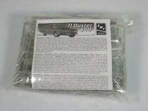 AMT 1971 Plymouth Duster 340 1/25 Model Kit #31232 - Complete