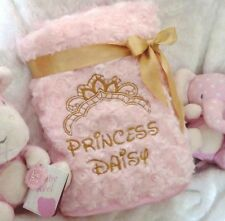 PERSONALISED BABY  BLANKET  DISNEY FONT FLUFFY ROSE BUD PINK OR BLUE GIFT WRAP
