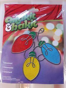 Makit & Bakit Christmas Lights Suncatcher kit