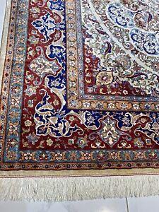 Genuine Turkish Hereke Pure 100% Silk On Silk Room Size rug 9feet 8in by 6feet.9