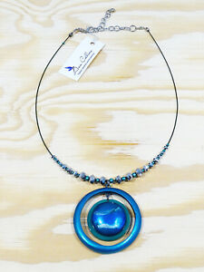 CONTEMPORARY METALLIC CIRCLE PENDANT