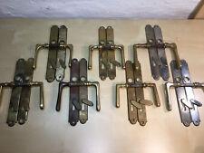 1 von 7 Türdrücker Türklinken Türbeschläge alt original antik Messing