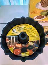 Vintage collectable 12 Cup Nordic Ware Fluted Cake Pan NIB Recipe Book Avocado
