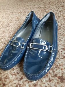 COACH NEW YORK FLYNN BLUE NAVY PATENT LEATHER DESIGNER FLATS LOAFERS SHOES 7.5