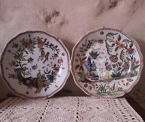 paire d'assiettes décoratives peintes à la main