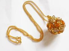 VINTAGE 1950's AMBER & BROWN GLASS CRYSTAL BALL GOLD TONE PENDANT NECKLACE