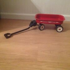 AMERICAN GIRL DOLL SIZE RED RADIO FLYER, VERY GOOD CONDITITON
