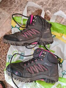 Girls walking boots size 4