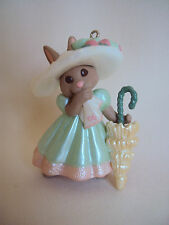 COLLECTIBLE 1996 HALLMARK SPRINGTIME BONNETS ORNAMENT IN BOX SIGNED