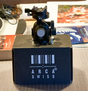 arca swiss d4  geared tripod head with screw clamp