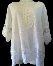Women Plus sz 1X Top White Scoop V-neck S/S Embroidery Lace Applique Pullover