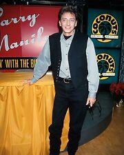 "Barry Manilow 10"" x 8"" Photograph no 169"