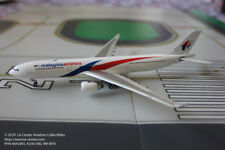 Phoenix Model Malaysia Airlines Airbus A330-300 in New Color Model 1:400