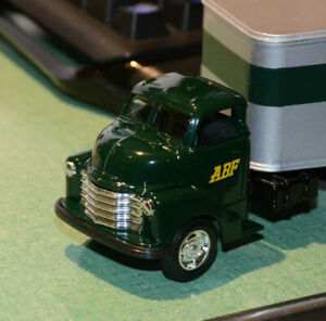Ertl 1948 CHEVY ABF Ertl METAL CAB TRACTOR TRAILER #60 20168P CHEVROLET