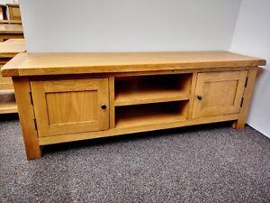 Oakvale Extra Large Media Stand / Solid Wood Living Room 2 Door TV Unit