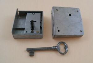 Kastenschloß, mittelschwere Ausführung,Dornmaß 25 bis 60 mm