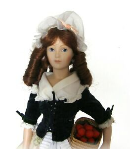 Franklin Mint - The Strawberry Girl - Covent Garden Collection - The Doll Works