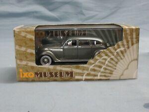 🔥IXO Museum Collection - 1/43 scale 1936 Chrysler Airflow sedan mint w/orig box