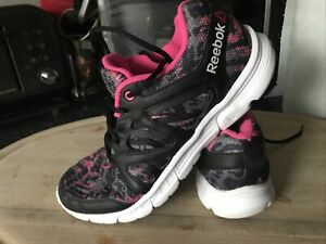 Womens Black/pink REEBOK 12. 9 Dynamic Biomechanics Trainers Size 8