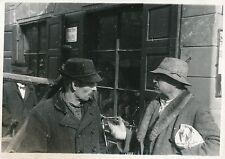 TYROL c. 1935 -  Hommes discutant  Tyrol  Autriche - DIV 6499