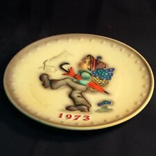 "Vintage ""Hummel"" annual plate; 1973, in bas relief; no original box. ( T2 )"