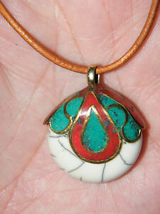 """TURQUOISE & CORAL NECKLACE WHITE BONE INLAYED BRASS UNIQUE! 31""""-33"""" Leather NEW!"""