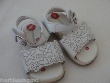 HUSH PUPPIES GIRLS SIZE 5 TODDLER SPRING/SUMMER WHITE SANDALS-CUSHIONED