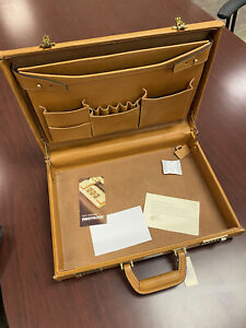 """KORCHMAR Classic 4"""" A1141 Monroe Leather Briefcase"""