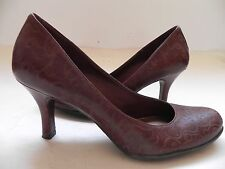 Gianni Bini~Idol~Brown embossed/tooled Leather Heels Shoes sz 7 M