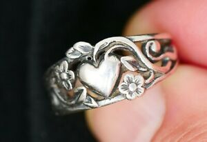 James Avery Heart with Flowers Retired Sterling Ring Size 5