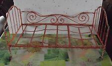 Antique Ancien lit en métal avec roulettes pour Poupées 1900 style Art Nouveau