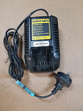 DeWalt DCB100-XE 10.8V Li-Ion 40 Minute Battery Charger NEW