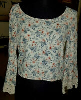 HOLLISTER Juniors Crop Top crochet lace long sleeves floral size XS EUC spring