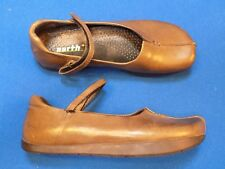6.5 B Earth Shoes Ladies Womens Brown Goudron Mary Janes Flat Sandals Walk Kalso
