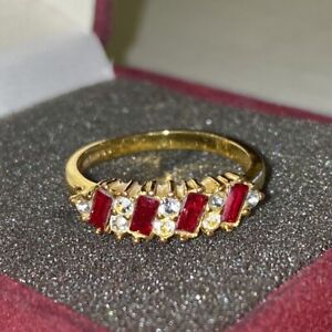 Vintage 14K Solid Gold Red Ruby & Diamond Band Ring - 2.65 Grams