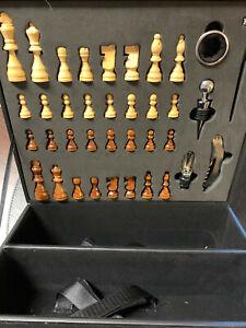 Weinflaschen Geschenkbox - Schachspiel - Echtholz Figuren