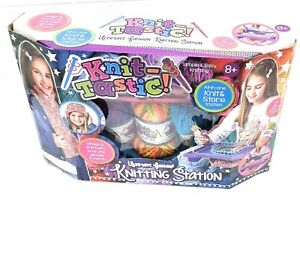 Knit-Tastic - Ultimate Fashion Knitting Station - Brand New In Box