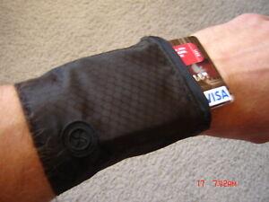 WRIST BAND WALLET ZIPPER POCKET FOR TRAVEL MONEY SPORTS BANK CARDS GYM